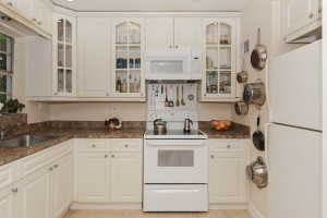 7960_sw_55th_ave_69b_MLS_HID1082989_ROOMkitchendeck